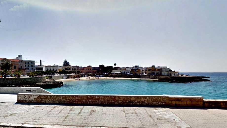 La spiaggia di Santa Maria al Bagno e mappa