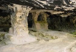 Necropoli la Salata a Vieste: grotta